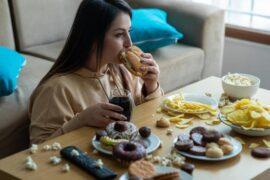 Comer con ansiedad: causas y cómo tratarlo